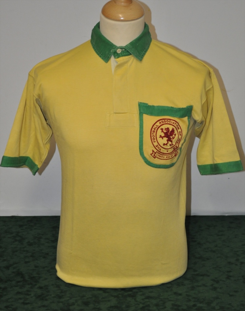 Ford Away 1949 -first away style
